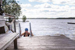 Bad i sjön Skedviken
