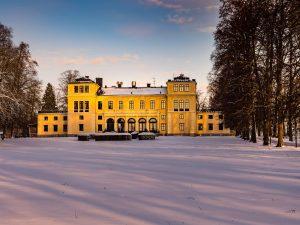 Vinterbild med vy mot slottet