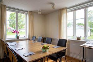 Labbet, grupprum i Vallonhuset med stolar och bord